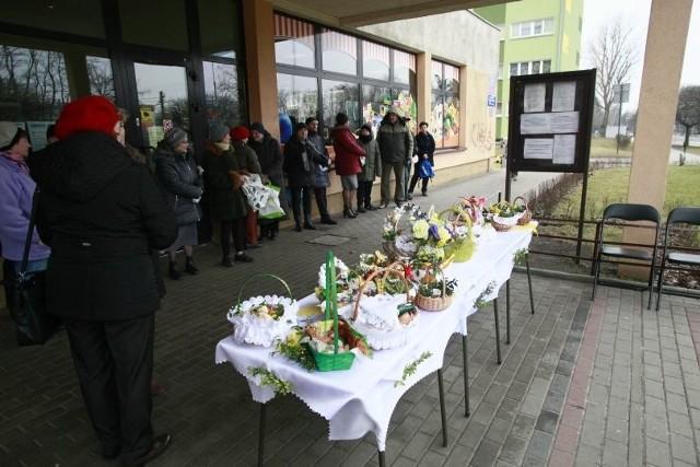 Sobota wielkanocna w Łodzi - święcenie pokarmów