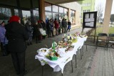 Tak dziś, w Wielką Sobotę, świętujemy w Łodzi - koszyczki święcimy nawet przed... sklepami i na klatkach schodowych [zdjęcia]