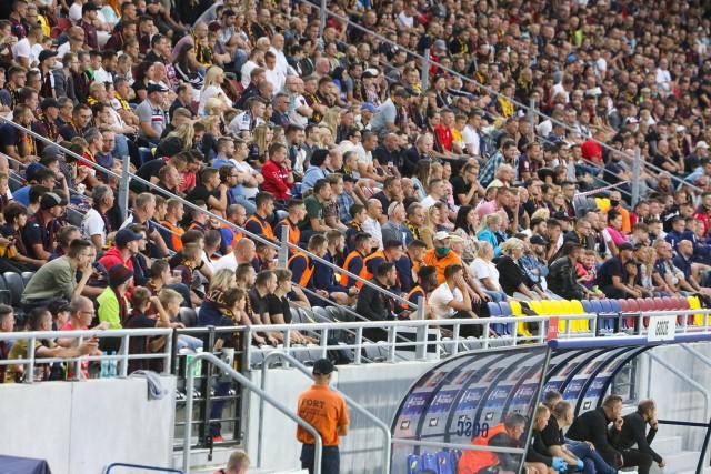 Na meczach z Osijekiem i Górnikiem Zabrze było sporo wolnych miejsc.
