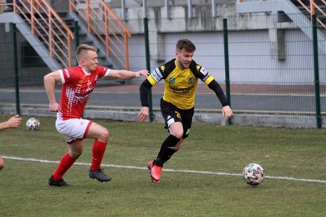 W meczu 31. pierwszej kolejki rozgrywek grupy czwartej piłkarskiej trzeciej ligi Siarka Tarnobrzeg pokonała na wyjeździe Orlęta Radzyń Podlaski po golu Bartosza Sulkowskiego.