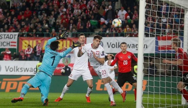 PIŁKA NOŻNA ELIMINACJE MISTRZOSTW EUROPY 2020 ZDJĘCIA Z MECZU AUSTRIA POLSKA ZOBACZ GALERIĘ. Reprezentacja Polski nie zachwyciła w Wiedniu, ale eliminacje mistrzostw Europy 2020 rozpoczęła od wygranej z Austrią 1:0. Zwycięskiego gola strzelił niesamowity Krzysztof Piątek. Obejrzyj zdjęcia z rywalizacji na stadionie imienia Ernsta Happela.