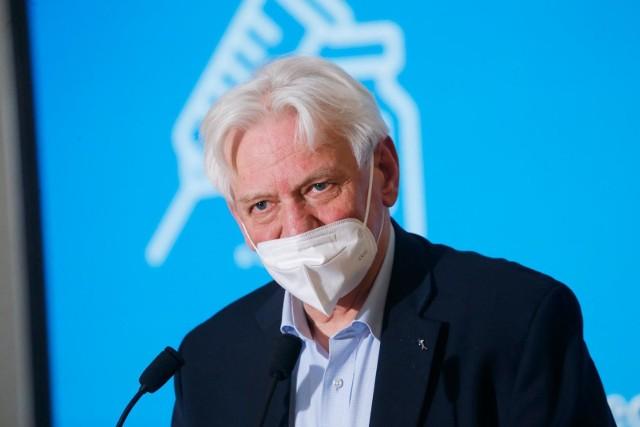 Koronawirus w Polsce. Profesor Andrzej Horban o nadchodzącej czwartej fali pandemii: Niech nas ręka boska broni od lockdownów