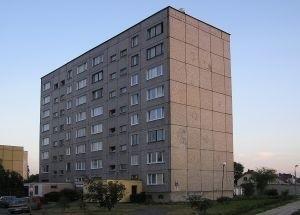 Bloki w stanie surowym parę lat temu gmina przejęła bezpłatnie od przedsiębiorstwa Top-Farms. (fot. sxc)