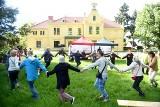 Piknik Tradycji w pałacu w Starym Kisielinie. Były tańce i nie tylko