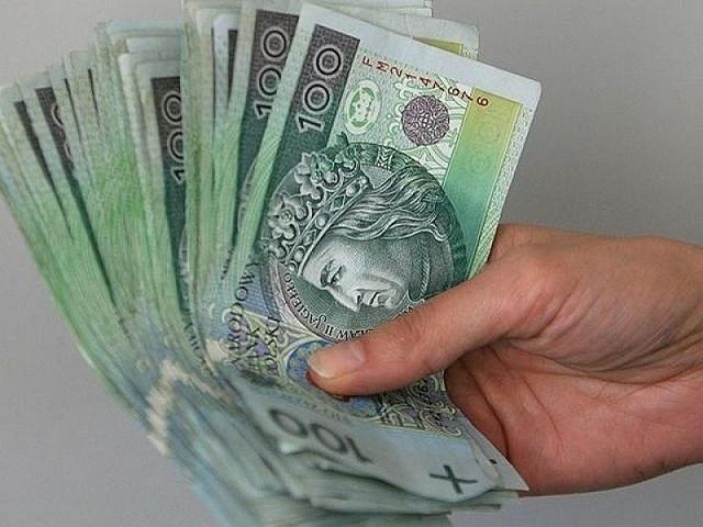 Każdy, kto otrzymał pomoc finansową w ramach tarczy antykryzysowej, może teraz spodziewać się kontroli urzędu skarbowego.