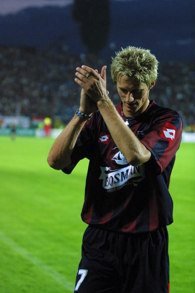 Paweł Magdoń  wraca do gry. W meczu z Lechem otzymał czerwoną kartkę i musiał pauzować dwa spotkania. Wcześniej dobra gra tego zawodnika - między innymi wybił piłkę z pustej bramki.