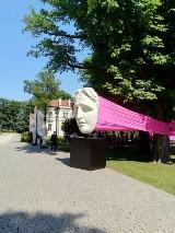Niezwykłą wystawę rzeźb Michała Jackowskiego otwarto w Muzeum Imienia Kazimierza Pułaskiego w Warce