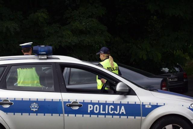 Sępoleńska policja zatrzymała w ostatnim czasie nietrzeźwego kierowcę i dwóch jadących o wiele za szybko
