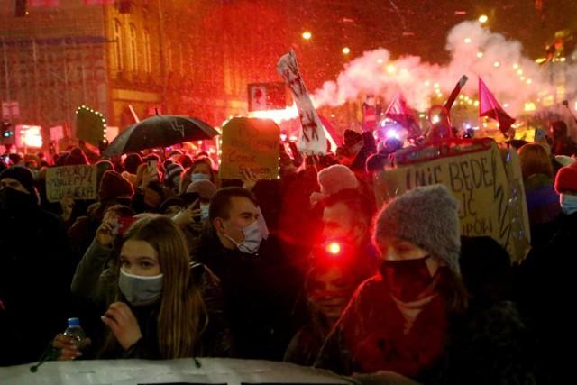 Protestujący na ulicach Wrocławia, zdjęcie ilustracyjne