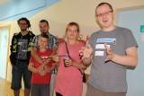 Zielonoświątkowcy pomalowali oddział dziecięcy w Oleśnie [wideo]