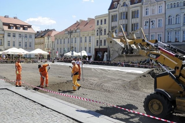Na Starym Rynku powstaje strefa kibica. Drogowcy wprowadzają ograniczenia w ruchu