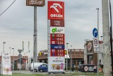 Ceny paliw na krakowskich stacjach ciągle rosną. Niedługo przekroczą granicę 6 zł [ZDJĘCIA]