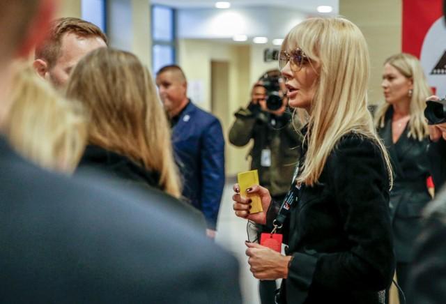 Agnieszka Woźniak-Starak pojawiła się dziś 20.09.2019 na gdyńskim Festiwalu Filmowym. Choć nie była obecna na konferencji prasowej, zdecydowała się obejrzeć ostatni film wyprodukowany przez tragicznie zmarłego męża Piotra Woźniaka - Staraka.