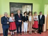 Minister rodziny i polityki społecznej Marlena Maląg odwiedziła gminę Kunów