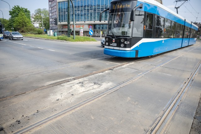 Wymiana szyny na skrzyżowaniu ul. Kościuszki z al. Krasińskiego