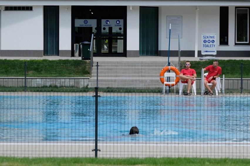 Po gruntownej modernizacji, pływalnia znajdująca się w parku...