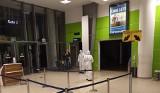 Nie tylko Brytyjczyk. Już kilka osób wpadło na lotnisku w Łodzi z fałszywymi dokumentami covidowymi