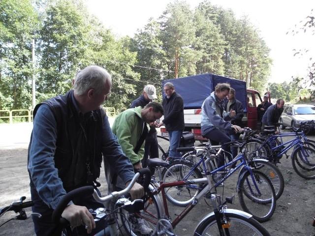 Samorządowcy radzą, żeby się przesiąść na rowery. Owszem, jest to jakieś wyjście, ale pewnie nie dla każdego