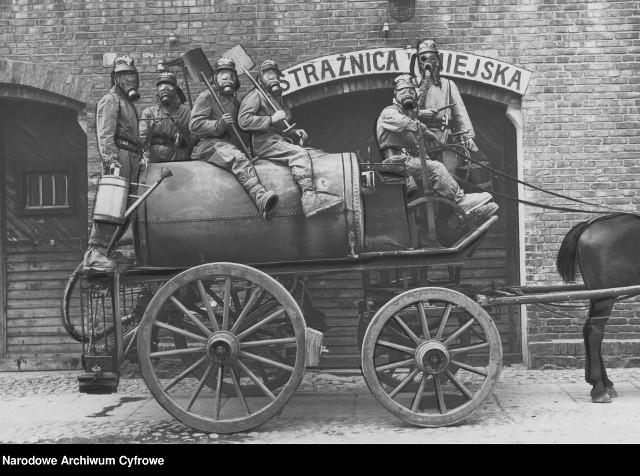 Strażacki beczkowóz do zmywania ulicy - 1934