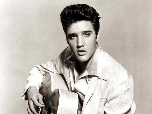 """""""Can't Help Falling In Love"""", """"Love Me Tender"""", """"Crying In The Chapel"""" i wiele innych wielkich hitów króla rock'n'rolla będzie można posłuchać na darmowym koncercie poznańskich wokalistów i muzyków."""