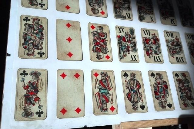 Taroki to stara karciana gra przyniesiona do Zabrzegu przez miejscowych żołnierzy walczących podczas I wojny światowej