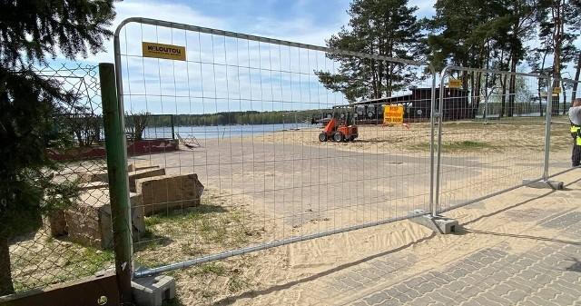 Plaża w Pieczyskach została ogrodzona. Wstęp wzbroniony