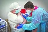Szczepić się czy nie szczepić? Rozum przegrywa z emocjami
