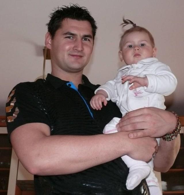 Patryk Kuchczyński uwielbia spędzać czas ze swoją roczną córeczką Igą.