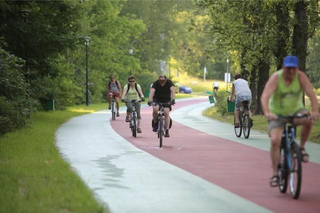 Ścieżka rowerowa w Parku Ślaskim w Chorzowie