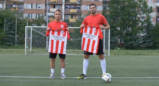 Klub zaprezentował w poniedziałek obu nowych zawodników