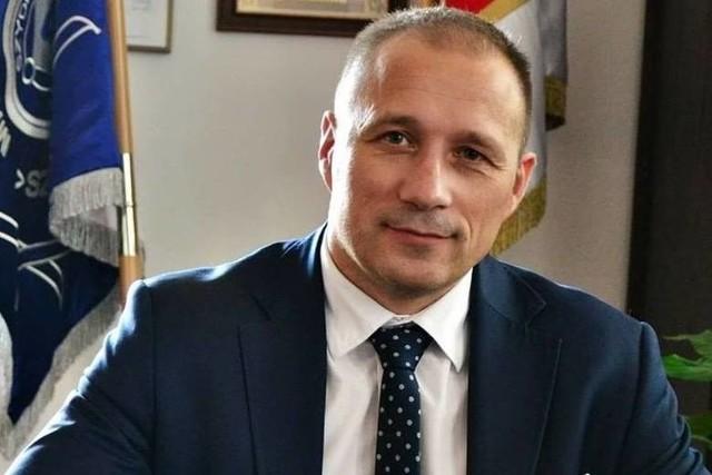 Burmistrz Ludew z koronawirusem.