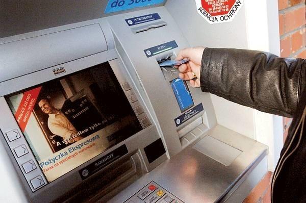 Usługi bankowe przez rok podrożały o ponad 40 proc. i na tym nie koniec podwyżek.