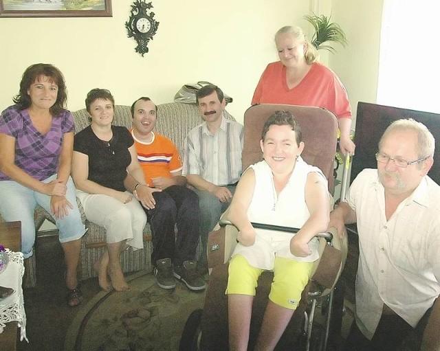 Rodzice niepełnosprawnych głogowian walczą o prawo ich dzieci do życia wśród ludzi. Wspiera ich radny powiatowy Jeremi Hołownia