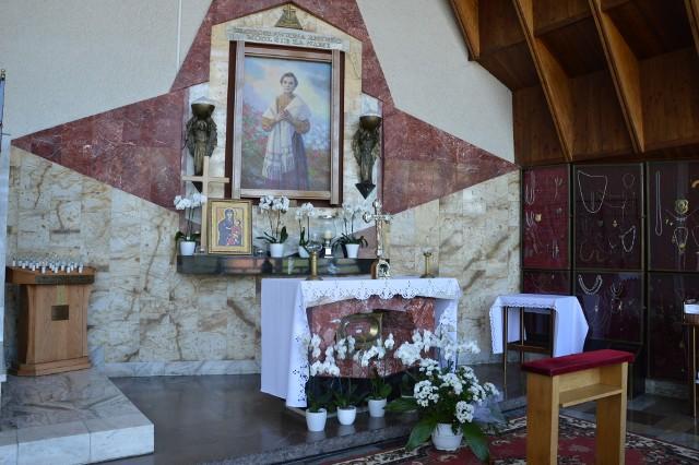 Miejsca kultu bł. Anieli Salawy w Sieprawiu, czyli Sanktuarium oraz Źródełko