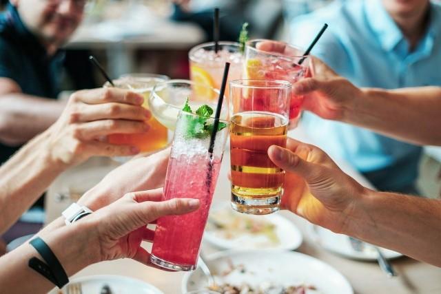 Producent ostrzega, że podatek cukrowy wpłynie na cenę słodkich napojów w Polsce. Zdjęcie ilustracyjne