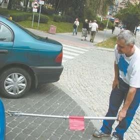 Przy sztywnym połączeniu można holować auto nawet wtedy, gdy ma ono niesprawne hamulce – mówi Ireneusz Alaszkiewicz