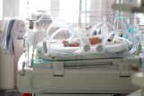 Bardzo cenne narodziny. Ile kosztuje ciąża i poród? Położna, znieczulenie zewnątrzoponowe, samodzielny pokój. Dużo! [stawki]