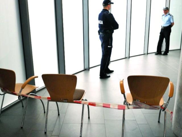 Rozprawa za zamkniętymi drzwiami w Sądzie Rejonym w Rzeszowie. Zastosowano nadzwyczajne środki bezpieczeństwa.