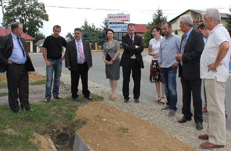 Poważnie Zakończyły się prace na ulicy Starowiejskiej w Zarzeczu koło Niska NS84