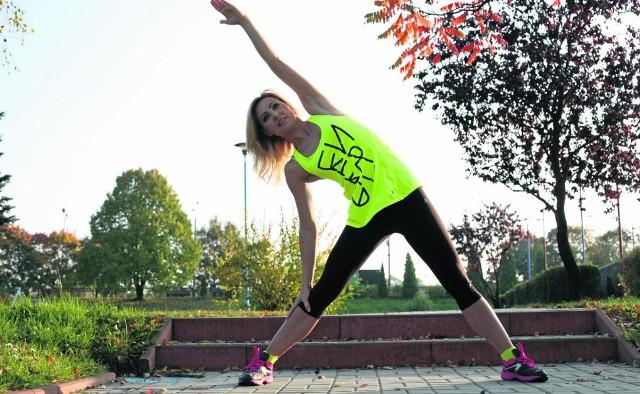 Olga Chaińska (40 lat), dietetyczka i trenerka, zachęca do strechingu po każdym treningu
