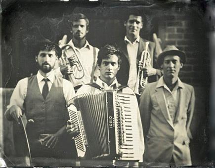 Obecnie The Petrojvic Blasting Company towrzy pięciu muzyków