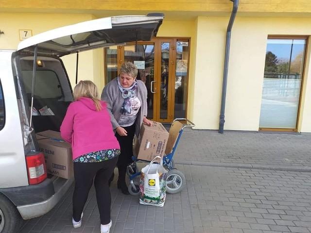 W tym tygodniu Biblioteka Gminna w Trzebielinie zakończyła akcję pomocy dla Hospicjum Dziecięcego Bursztynowa Przystań w Gdyni. Przez miesiąc zbierano potrzebne rzeczy m.in. kocyki, pościel, opatrunki, soki. Wszystkie dary zostały już zawiezione. Inicjatorką akcji była Krystyna Michalak.