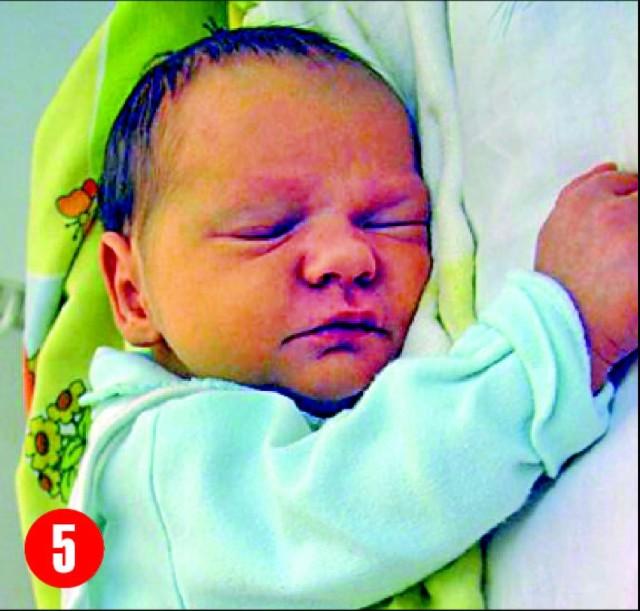 5. Kinga, córka Moniki i ZdzislawaGrudziądz z Wolkowych,urodzila sie 23 listopada o godz. 12.20.Wazyla 3150 g, mierzyla 54 cm.