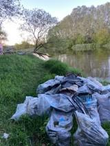 Odpady po sprzątaniu świata zalegają nad brzegiem Warty. Powodem nieznajomość lokalizacji zdeponowania śmieci przez uczestników