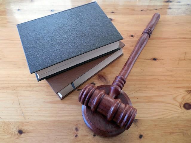 Podajemy harmonogram bezpłatnych dyżurów prawniczych we wrześniu. Zobacz, w jakie dni tygodnia otrzymasz określoną pomoc. Informacje na kolejnych slajdach.