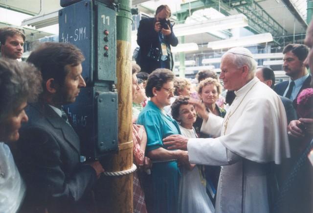 13 czerwca 1987 roku Jan Paweł II przyjechał do Łodzi.  Spędził w naszym mieście ponad osiem godzin. Ale ta wizyta na zawsze przeszła do jego historii.CZYTAJ DALEJ >>>.