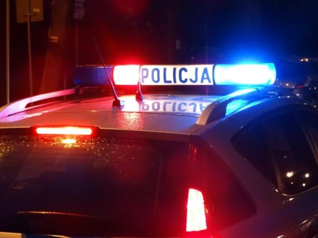 Policja ustaliła, że samochód, który potrącił rowerzystę, należy do 19-latka.