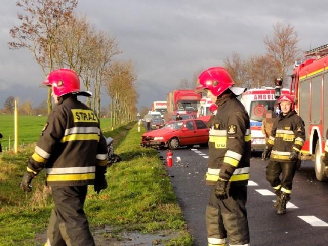 Wypadek w Bobrowicach. Dwie osoby ranne