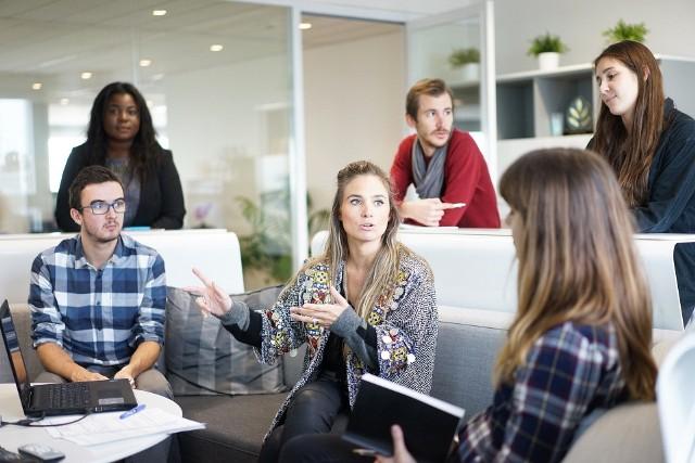 Licealiści mogą wziąć udział w bezpłatnym kursie języka angielskiego (online) oraz w warsztatach rozwoju osobistego. Projekt organizuje Wyższa Szkoła Bankowa