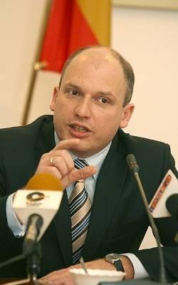 Radny PiS Łukasz Magin poparł apel do rządu PiS, aby przedłużyć drogę S8 z Łodzi do Tomaszowa Mazowieckiego